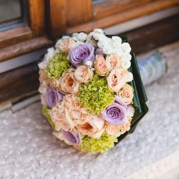 Свадебный букет с оригинальными гвоздиками