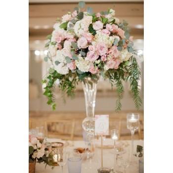 Высокие цветочные композиции на стол