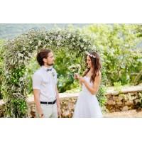 Прямоугольная арка увитая оливковыми ветвями